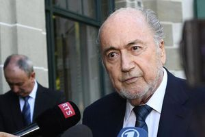 Cựu Chủ tịch FIFA bị triệu tập điều tra