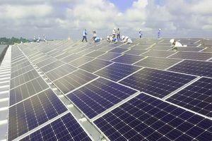Thi công điện năng lượng mặt trời nơi vùng sâu