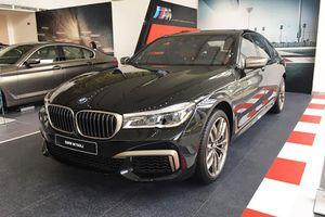 BMW 760Li giá hơn 13 tỉ đồng cập bến Việt Nam có những gì?