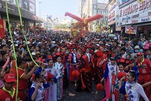 Hàng chục nghìn người dự Lễ hội Rằm tháng Giêng tại Bình Dương