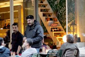 Chính sách 250.000 Eur thành công dân Hy Lạp khiến dân bản xứ 'lép vế'