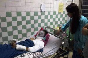 Việt kiều Canada bị tạt a xít, cắt gân chân đã có thể ăn uống trở lại