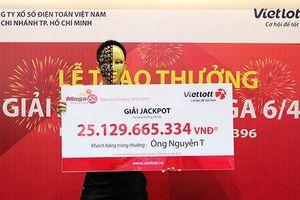 Ba người 'chia nhau' 75 tỷ đồng Vietlott dịp Tết Nguyên Đán