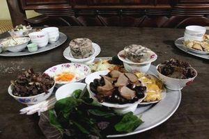 Hà Nội: Làng ăn Tết Nguyên tiêu bằng… thịt chó