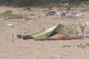 Lại phát hiện xác chết dạt vào bờ biển ở Thanh Hóa