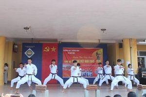 Thừa Thiên Huế: Hào khí ngày thơ Việt Nam tại trường THPT Hương Vinh