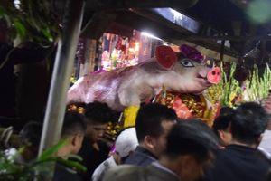 Chỉ có ở hội làng La Phù: Rước 17 'ông lợn' về đình