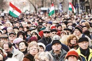 Hungary: miễn thuế cho phụ nữ có nhiều con