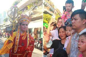 TP.HCM: Hàng ngàn người đi chùa cầu an, xem Bát Tiên khiến các tuyến đường kẹt cứng