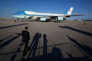'Miễn' soi an ninh hàng không với đoàn Tổng thống Donald Trump