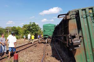 Tàu hỏa liên tiếp trật bánh: Do đường ray, toa xe quá cũ?