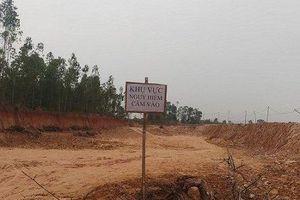 Người dân phát hiện quả bom 2,5 tạ khi đào đất làm công trình