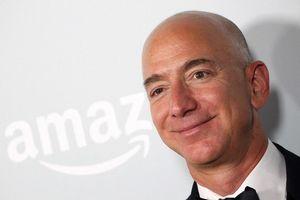 Chuyện buồn ít người biết về mối quan hệ của tỷ phú Jeff Bezos và cha đẻ