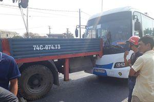 Tai nạn liên hoàn tại chốt giao thông nguy hiểm