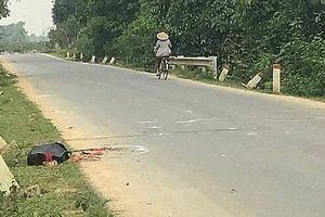 Đi xe máy đâm vào trâu bên đường, nam thanh niên tử vong