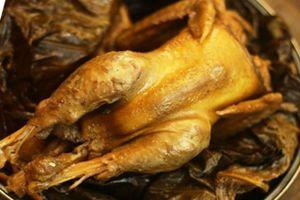 Cách làm gà bọc lá sen nướng cho buổi liên hoan cuối tuần thêm đậm vị