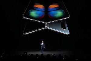 Samsung Galaxy Fold - smartphone màn hình gập đầu tiên ra mắt giá gần 50 triệu