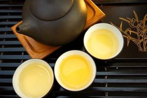 Nhớ mùi trà Tết