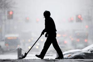 Hình ảnh bão tuyết đổ bộ bờ Đông nước Mỹ, gây xáo trộn giao thông