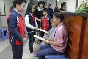 Học sinh Hà Nội trao gửi yêu thương tới các bệnh nhi tan máu bẩm sinh