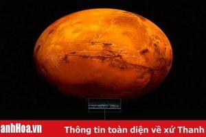 Phát hiện trữ lượng khổng lồ nước ở dạng băng trên sao Hỏa