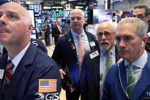 Chứng khoán Mỹ giảm điểm vì dữ liệu kinh tế gây thất vọng