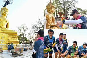 Xuân Trường đi làm việc ý nghĩa trước thềm Thai League khởi tranh