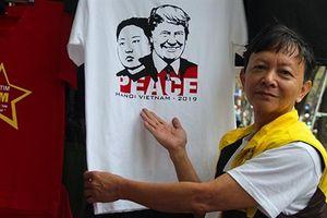 Người Việt nhanh tay hốt bạc nhờ ăn theo thượng đỉnh Mỹ-Triều