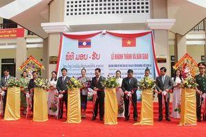 Thắm đượm nghĩa tình thủy chung Việt Nam - Lào