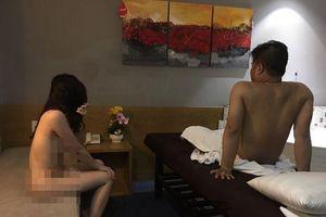 2 nữ tiếp viên 'khỏa thân' ở tầng 7 khách sạn giữa trung tâm TP HCM