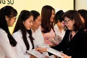 Thay đổi chính sách học bổng để khuyến khích sinh viên nhập học