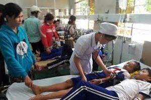 Vụ 84 học sinh nhập viện sau súc miệng: Khiển trách 2 cán bộ y tế