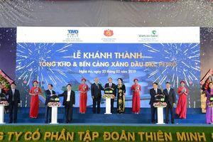 Thủ tướng nhấn nút khánh thành cảng xăng dầu lớn nhất Bắc Trung Bộ