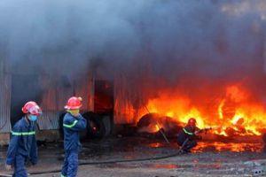 Đồng Nai: Xưởng sản xuất lốp ô tô rộng cả ngàn mét bất ngờ bốc cháy dữ dội