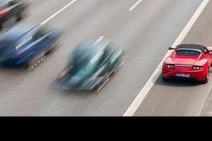 'Ứng xử' thế nào với làn dừng đỗ khẩn cấp khi chạy xe trên cao tốc?