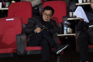 Tân HLV trưởng U23 Việt Nam Lee Young-jin tới 'vi hành' ở sân Hàng Đẫy