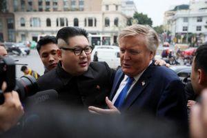 Bản sao Kim Jong-un và Trump tiết lộ định chơi golf và ăn đặc sản Hà Nội
