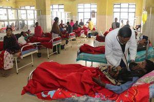 Ngộ độc rượu, 93 người chết, 200 người còn nhập viện