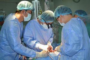 Ho ra bọt hồng vì van tim hư hỏng nặng
