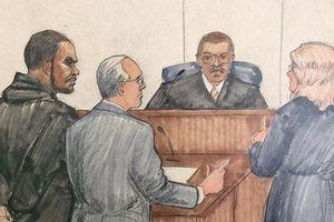 Bị cáo buộc lạm dụng tình dục, R. Kelly đối diện mức án 70 năm tù