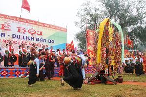 Hàng nghìn du khách đến với Lễ hội văn hóa - du lịch Bàn Bù