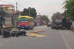 Va chạm với ô tô con ngã ra đường, nam thanh niên bị xe bồn cán tử vong