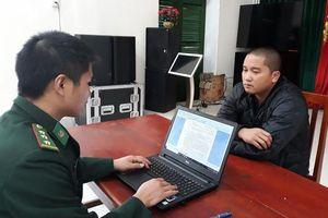 Quảng Ninh: Bắt giữ đối tượng vận chuyển gần 1.200 chai rượu ngoại trái phép