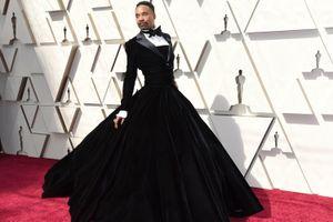 Nam diễn viên gây sốc khi mặc váy lên thảm đỏ Oscar