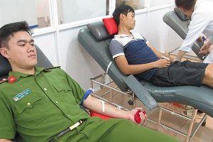 Huy động cảnh sát hiến máu hiếm cứu bệnh nhi 3 tháng tuổi