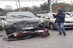 Hà Nội: Tai nạn giao thông liên hoàn, 1 phụ nữ bị thương