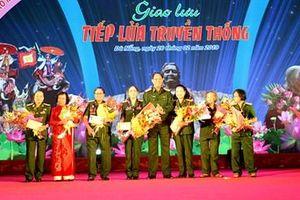 Phụ nữ LLVT Quân khu 5 giao lưu 'Tiếp lửa truyền thống'