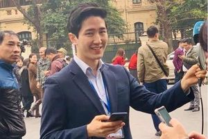 Lộ danh tính nam phóng viên 'cực phẩm' tác nghiệp tại thượng đỉnh Mỹ-Triều
