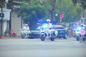 Ông Kim Jong Un đến thăm Đại sứ quán Triều Tiên tại Hà Nội
