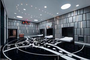 Hình ảnh choáng ngợp trong phòng khách sạn tích hợp sân bóng rổ giá 300 triệu đồng/đêm